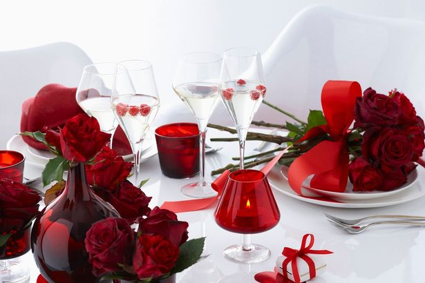 Valentines-Day-table-with-red-roses